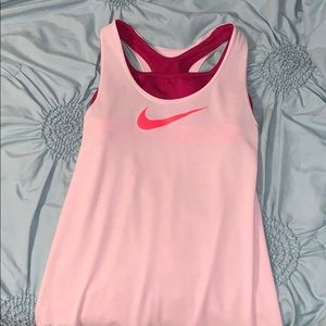 Nike tank w/ built in sports bra